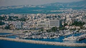 Larnaka je jedno z nejoblíbenějších kyperských středisek /