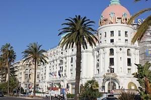 V Nice je spousta zajímavých staveb /